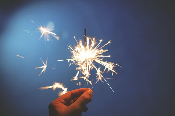 sparkler-839831_1280